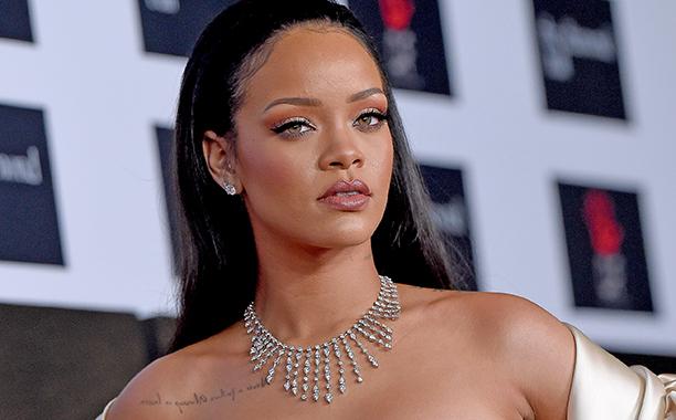 Rihanna d passe le milliard de vues sur you tube avec le for Calendrier rihanna