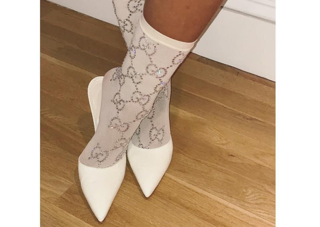 half off closer at wide range Rihanna investi dans des chaussettes Gucci à prix d'or ...