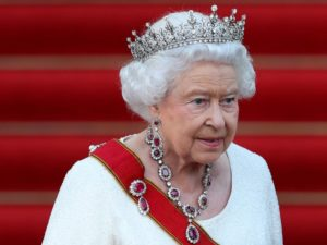 La famille royale britannique célébrera son premier gay !