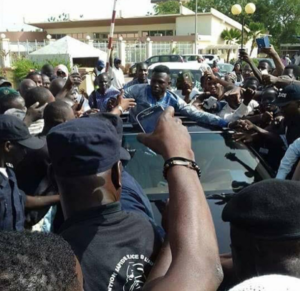 Mamoudou Gassama arrive au Mali pour être reçu par le Président IBK !