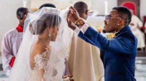 Le footballeur nigérian Emmanuel Emenike a divorcé de sa femme, Miss Nigeria 2013 pour épouser… Miss Nigeria 2014