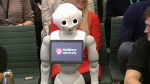 Un robot parle d'intelligence artificielle !