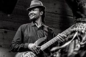 La basse camerounaise en deuil: Le très talentueux bassiste Hilaire Penda est décédé