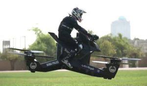 La Police De Dubaï S'équipe D'une Moto-Volante, La Démonstration Est Hallucinante (Vidéo) !