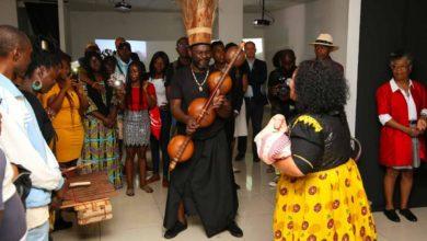 Photo of A travers la Performance « Remember me », La namibienne Véronique Mensah fait son deuil