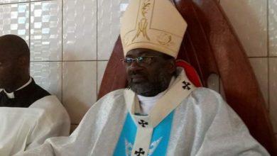 Photo of Monseigneur Faustin Ambassa Ndjodo, archevêque de Garoua : « Nous devons prier Dieu et respecter les mesures d'hygiènes pour lutter contre le Covid-19»