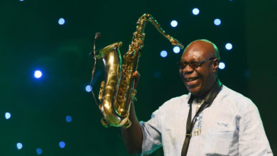 Photo of Le fils de Manu Dibango raconte comment son père a attrapé le Coronavirus