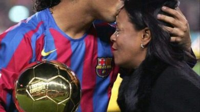 Photo de Ronaldinho est endeuillé