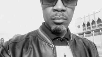Photo de DJ Bilik (Président de la Commission de Contrôle de la SONACAM) : « Pendant que DAVIDO achète une Rolls à 200 millions de ses poches, au Cameroun 5000 Artistes se battent pour 112 millions…»